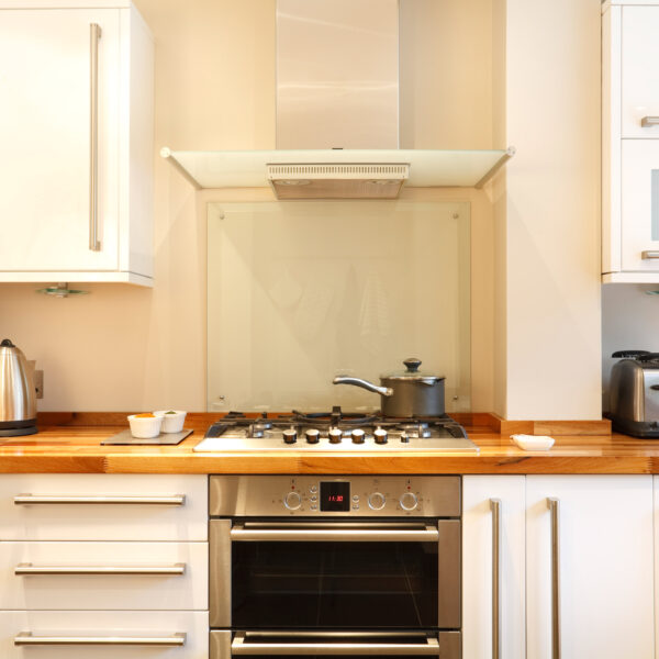 Clear Glass Splashback by colouredglass.co.uk