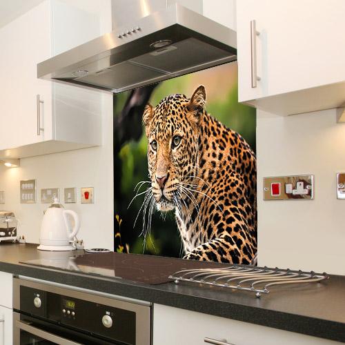 The portrait of Javan leopard_676323358_splashback